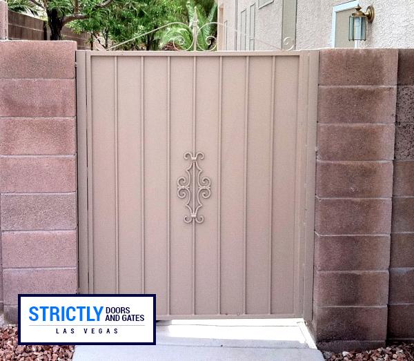 sideyard gate 15
